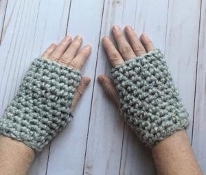 Grey free fingerless gloves pattern