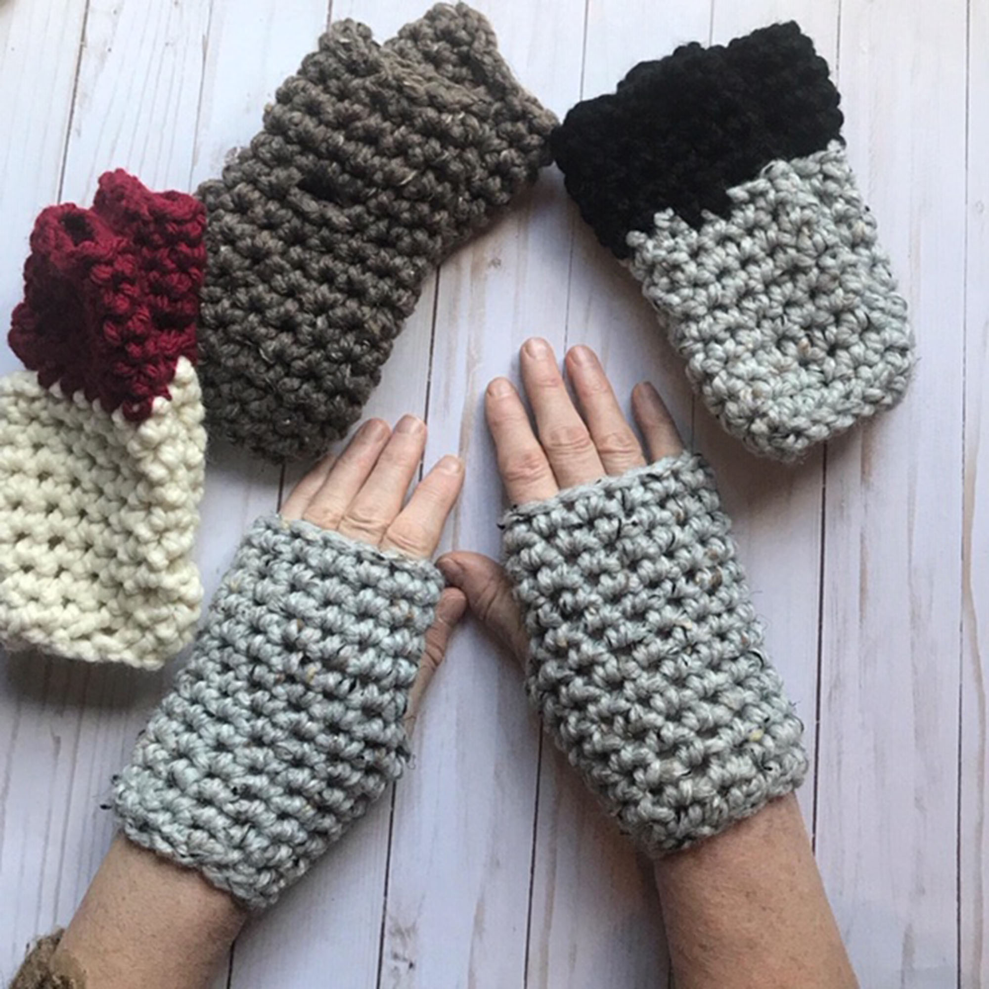 Short and Chunky Fingerless Gloves by Carroway Crochet